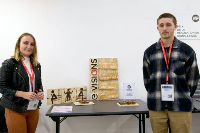 Lise Dréan et Preden Gicquel de Grafipolis Nantes, gagnants du 1er prix Espoirs Icona d'or de la réalisation signalétique2019
