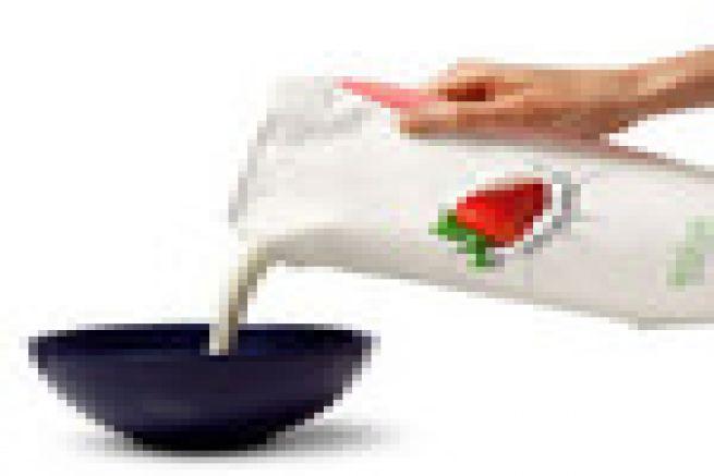 Du lait frais commercialis� dans un emballage souple