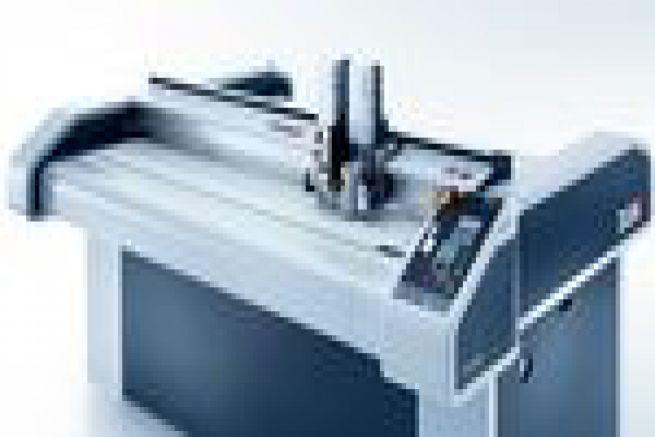 L'imprimerie Carton Ideen premier imprimeur �quip� de la nouvelle table de d�coupe Z�nd S3