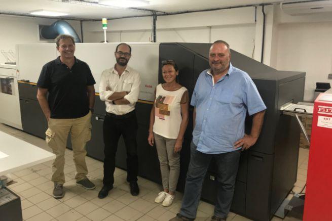 G. à d. : P. Coulmin du distributeur DP&I Caraïbes, S. Richard, chef opérateur, M-L Colin, opératrice, et D. Hoeffel, pdg.