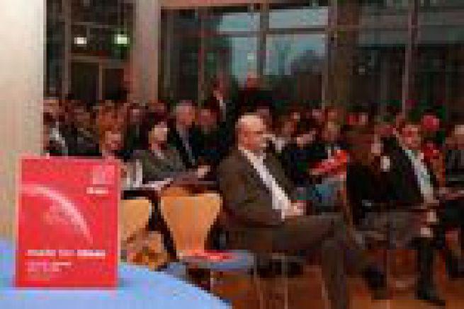 250 imprimeurs pour l'inauguration du centre de d�monstration de Kolbus � Rahden