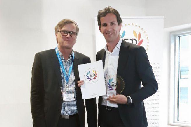 Organisateur EDP (à gauche) et Philip Van der Auwera (à droite), responsable marketing Sign and Display d'Agfa