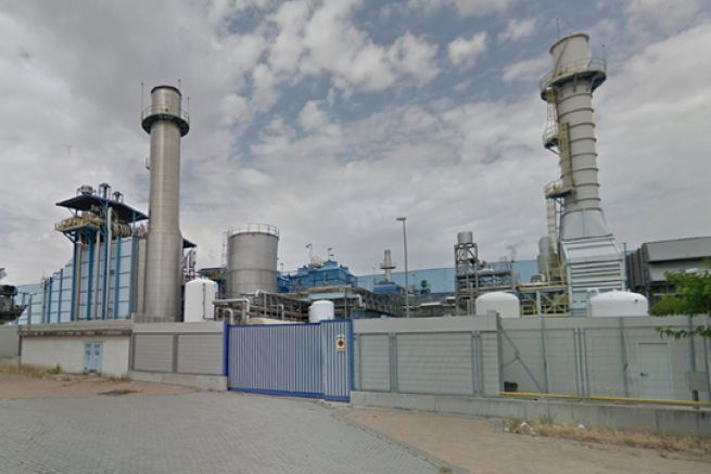 L'usine espagnole fabrique du papier journal recyclé.