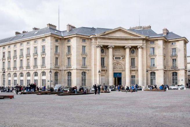 Université Panthéon Assas.