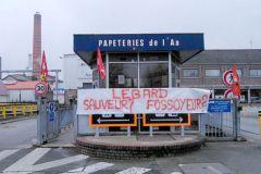 Banderole, posée à l'entrée de l'usine du Pas-de-Calais, témoignant du climat houleux entre le PDG et les syndicats