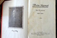 1ère édition de Mein Kampf, 1925