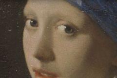 Cette technologie a été utilisée pour reproduire le célèbre tableau de Vermeer, La Jeune Fille à la perle (1665).