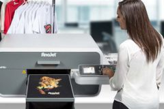 La mPower i-series, série phare du fabricant d'imprimantes pour textile AnaJet.