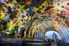 La fresque de TS Visuals, installée dans le hall d'un marché de Rotterdam, a remporté le prix le plus convoité en 2015.