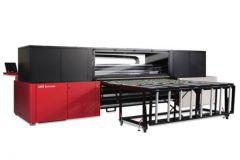 La machine grand format Jeti Tauro d'Agfa imprime sur 2,5 mètres de large.