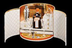 Intérieur d'une boite de prestige Cointreau Dita von Teese, réalisée de manière totalement artisanale.