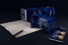 En suivant le plan de montage, il est facile de transformer l'étui en carton en casque de réalité virtuelle.