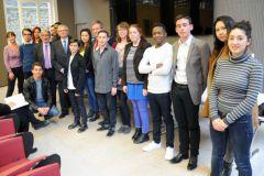 Les lauréats avec J.-P Maury, D. Nadeau, président de la fondation et P. Hoynant, président de Heidelberg France.