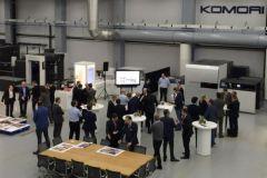 Le centre européen de Komori permet de découvrir les machines grâce à des démonstrations en live.