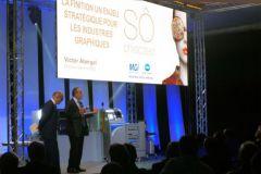 Tony Charlet, directeur des ventes de Konica France, et Victor Abergel, dg délégué de MGI.