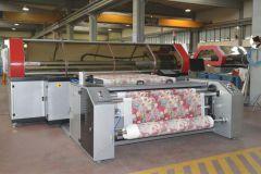 La Meccanica fabrique la gamme d'imprimantes textiles QualiJet comme cette QualiJet Leopard 8.