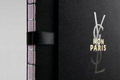 Dossier de presse Ysl. Mon Paris imprimé par Opero (Italie) et dessiné par l'agence parisienne Akatre (France).