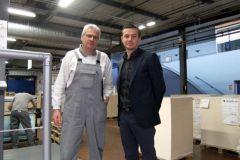 M. Vialloux, responsable Impression et découpe et M. Laborde, directeur des opérations cartons France de MPS.