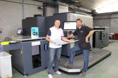 Christophe, le dirigeant, et Pierre, conducteur de presse offset numérique chez Cloître.