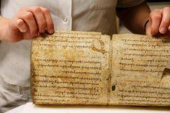 Parchemin du 8e siècle découvert dans la reliure d'un incunable à Strasbourg.