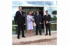 En compagnie de Dominique Bouffard, directrice de la communication, Thomas Doliwa (au centre), Jurgen Freier (à gauche) et Rapha