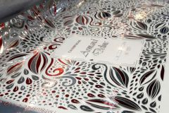 La JETvarnish 3D web pour la dorure et vernis sur les manchons rétractables