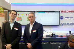 Nelson Rotunno, ingénieur électronique chez Baldwin Vision Systems, et Greg Kallman, responsable des ventes Europe BVS.
