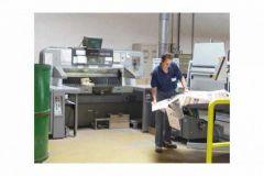 Station de coupe Polar à l'imprimerie Baugé