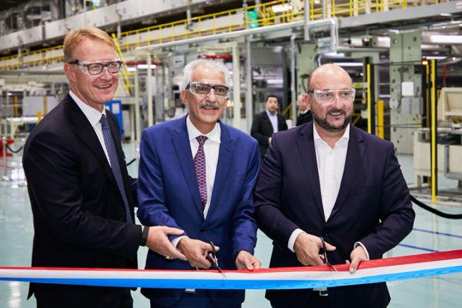 Jeroen Diderich et Kamran Kian de Avery Dennison avec Etienne Schneider, vice-premier ministre et ministre de l'Économie.