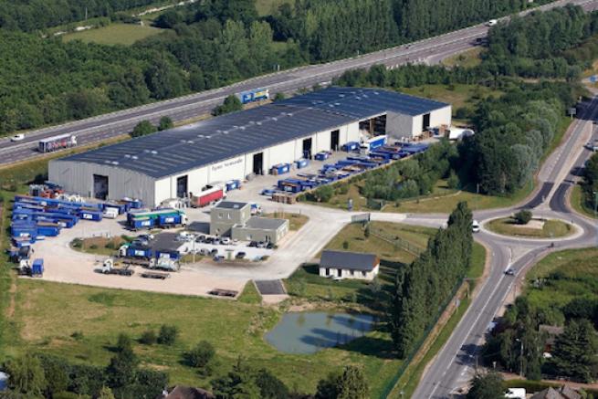 Le site de de recyclage papiers cartons de Paprec dans l'Eure a été en partie détruit par un incendie.