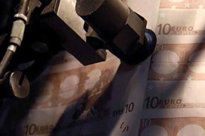Impression en feuilles des billets de 10 euros à l'imprimerie de Chamalières (63).