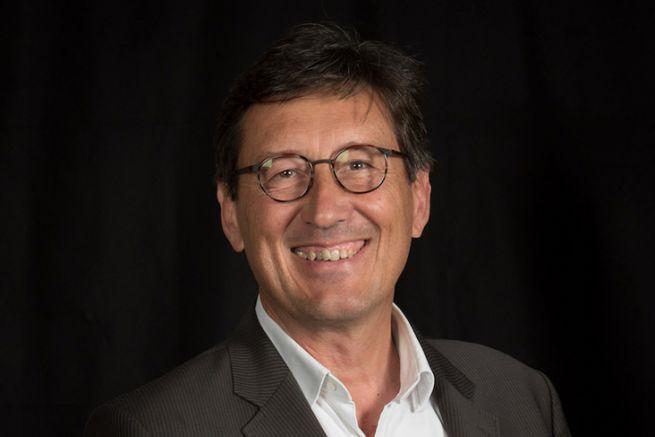 Xavier Rozé dirige l'imprimerie Marie à Honfleur (14).